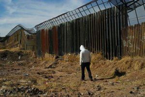 ドナルド大統領移民壁